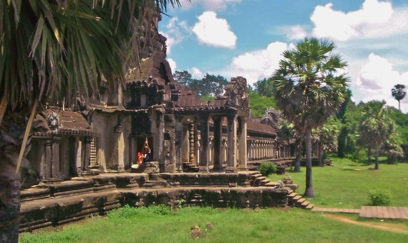 the colours of angkor wat