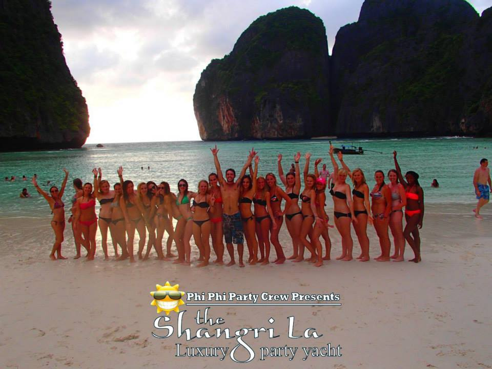 Group picture on Maya Bay