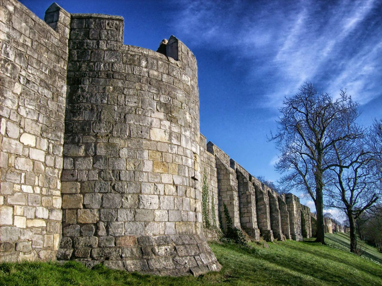 York city walls: guide to a weekend in York