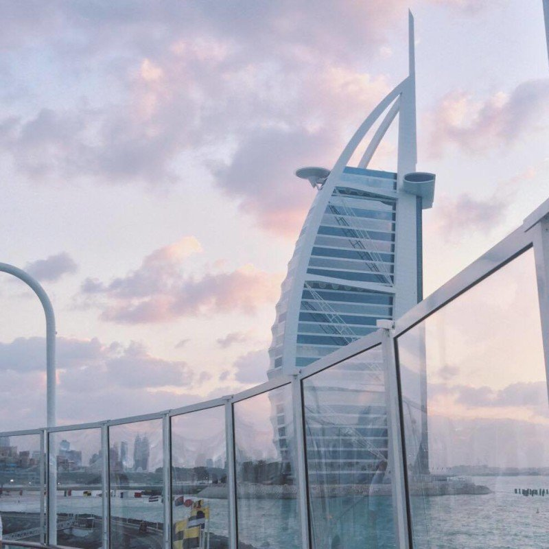 360 bar view of Burj Al Arab in Dubai