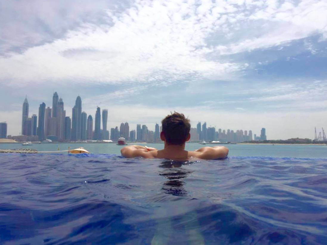 dubai infinity pool on the palm