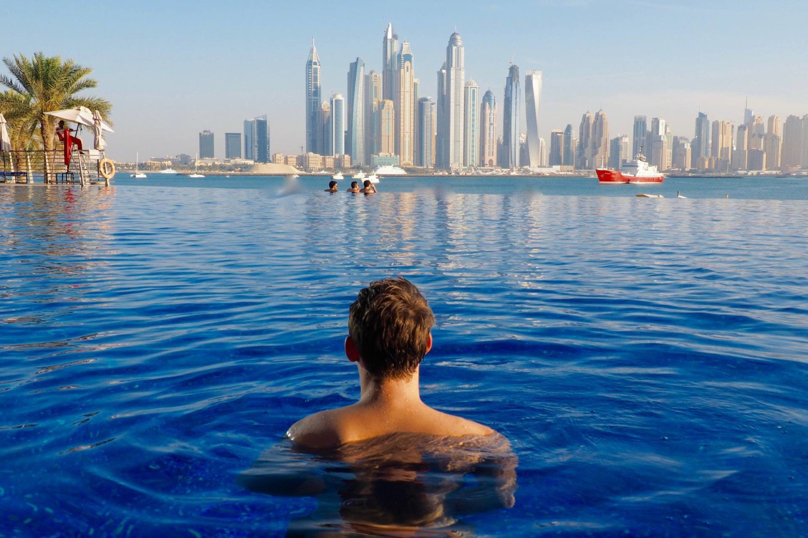 Blue infinity pool Dubai