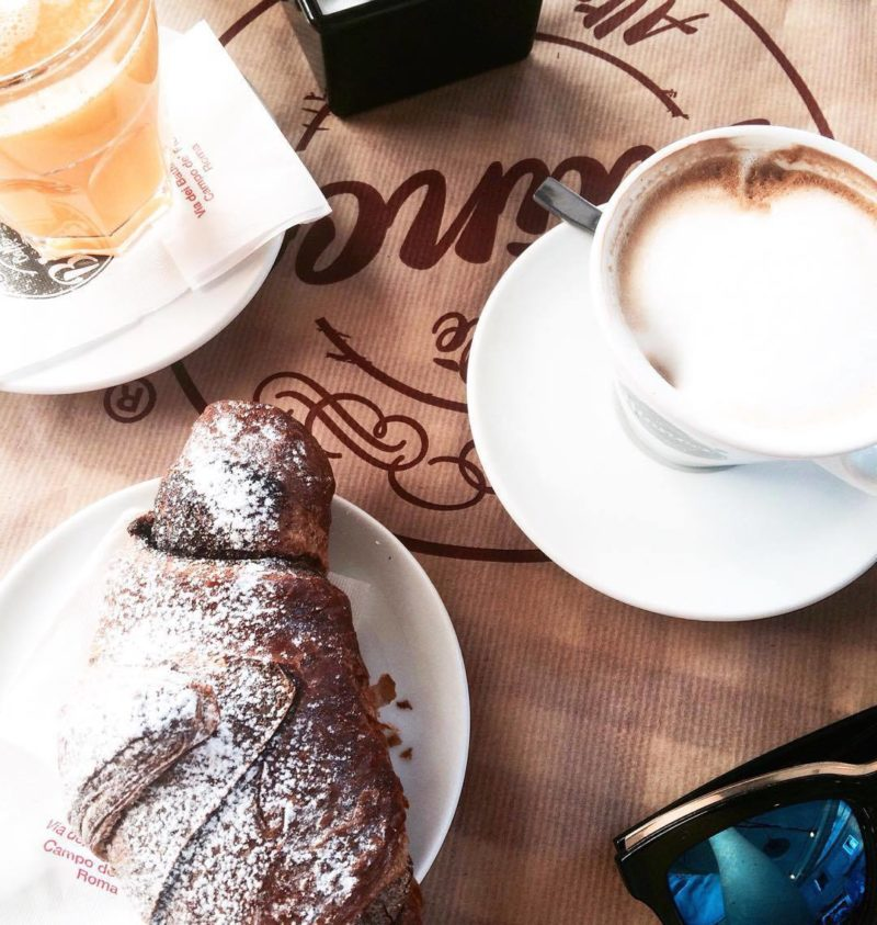 where to eat breakfast in rome at weekend