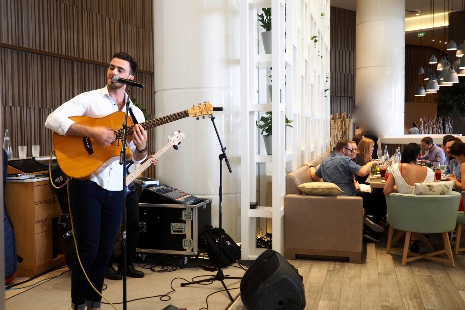 Live music Brunch at Brasserie 2.0 Le Royal Meridien Review