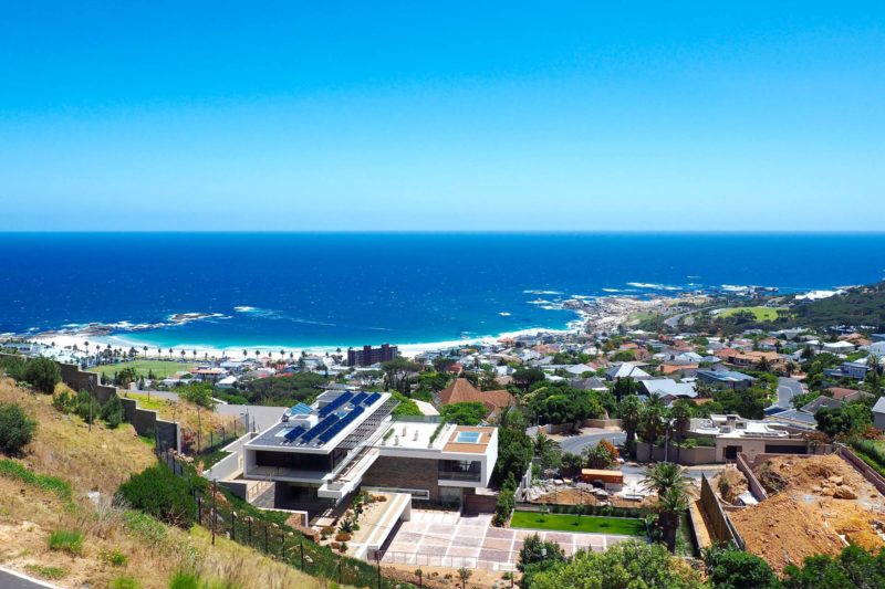 What to see and do in Cape Town: Camps Bay