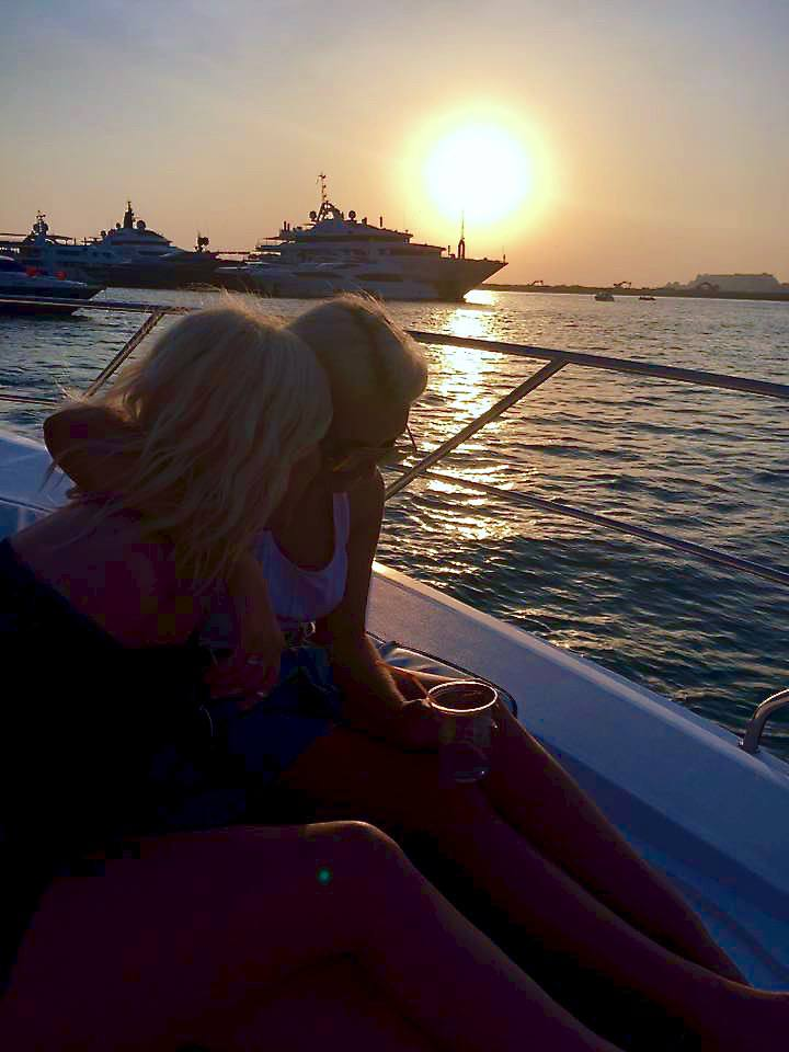 dubai girls at sunset