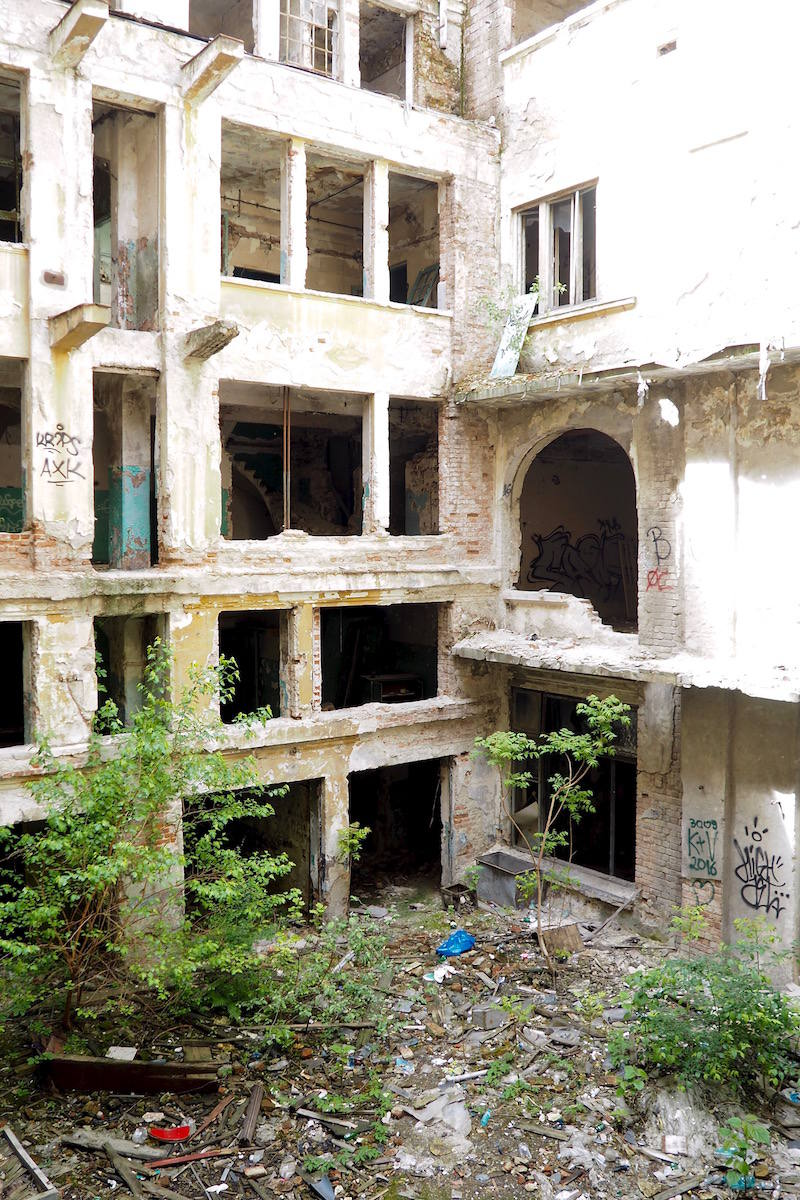 Abandoned buildings in Bucharest