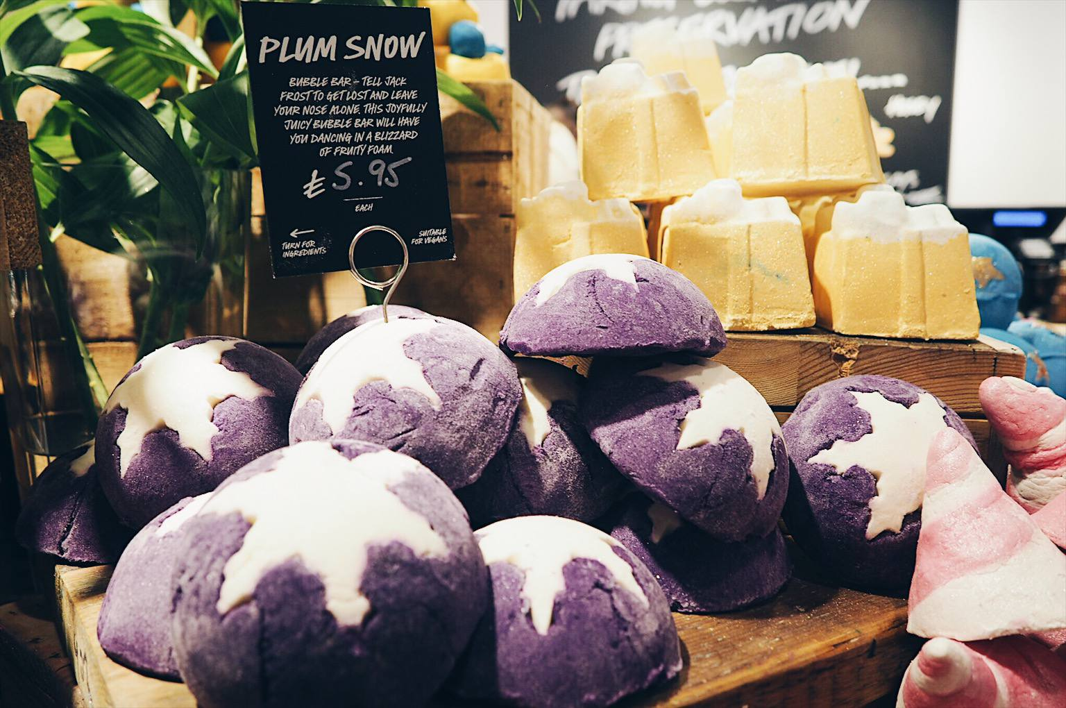 Plum Snow Bubble bar review Lush Christmas products