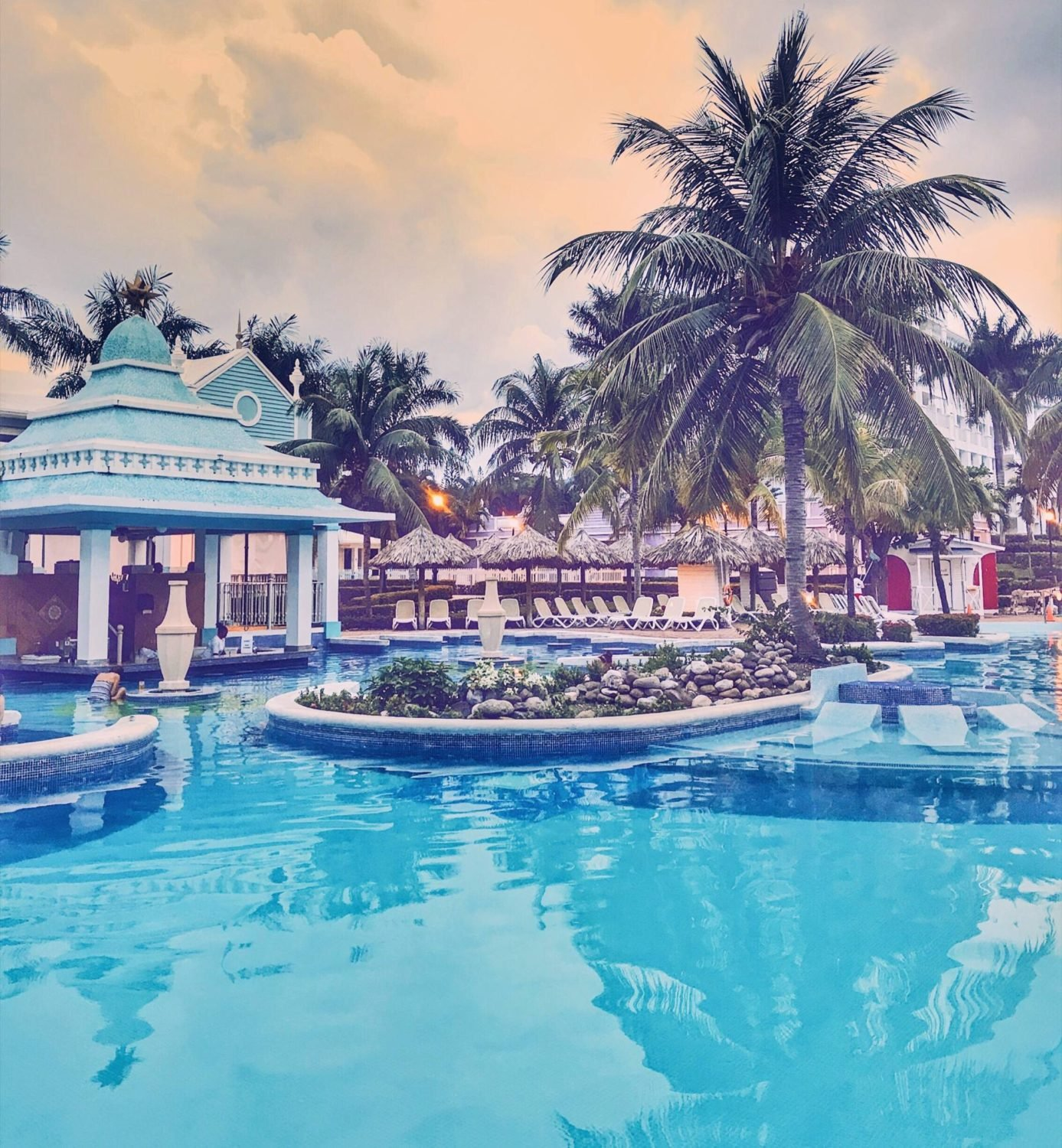 Riu Palace Tropical Bay Cheap Vacations Packages | Red Tag ... |Riu Hotel Jamaica