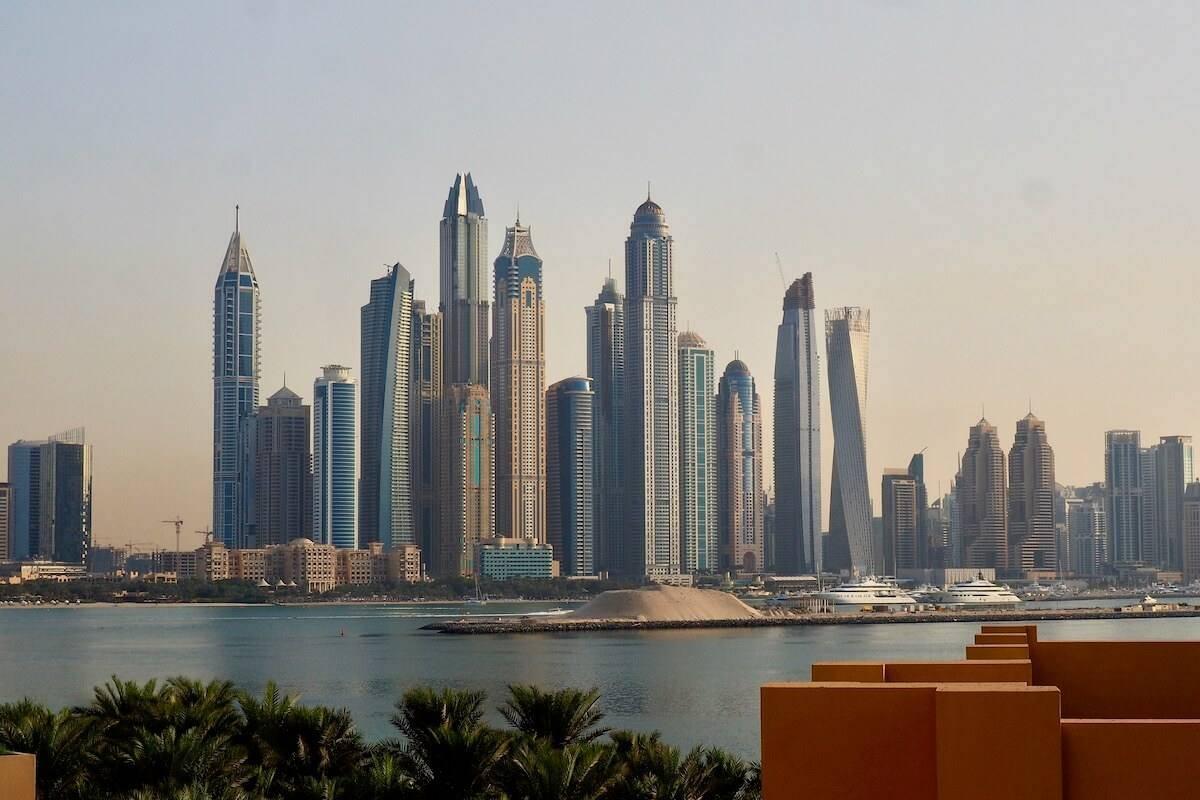 Is it Safe to Visit Dubai as a Single Solo Female? | While I