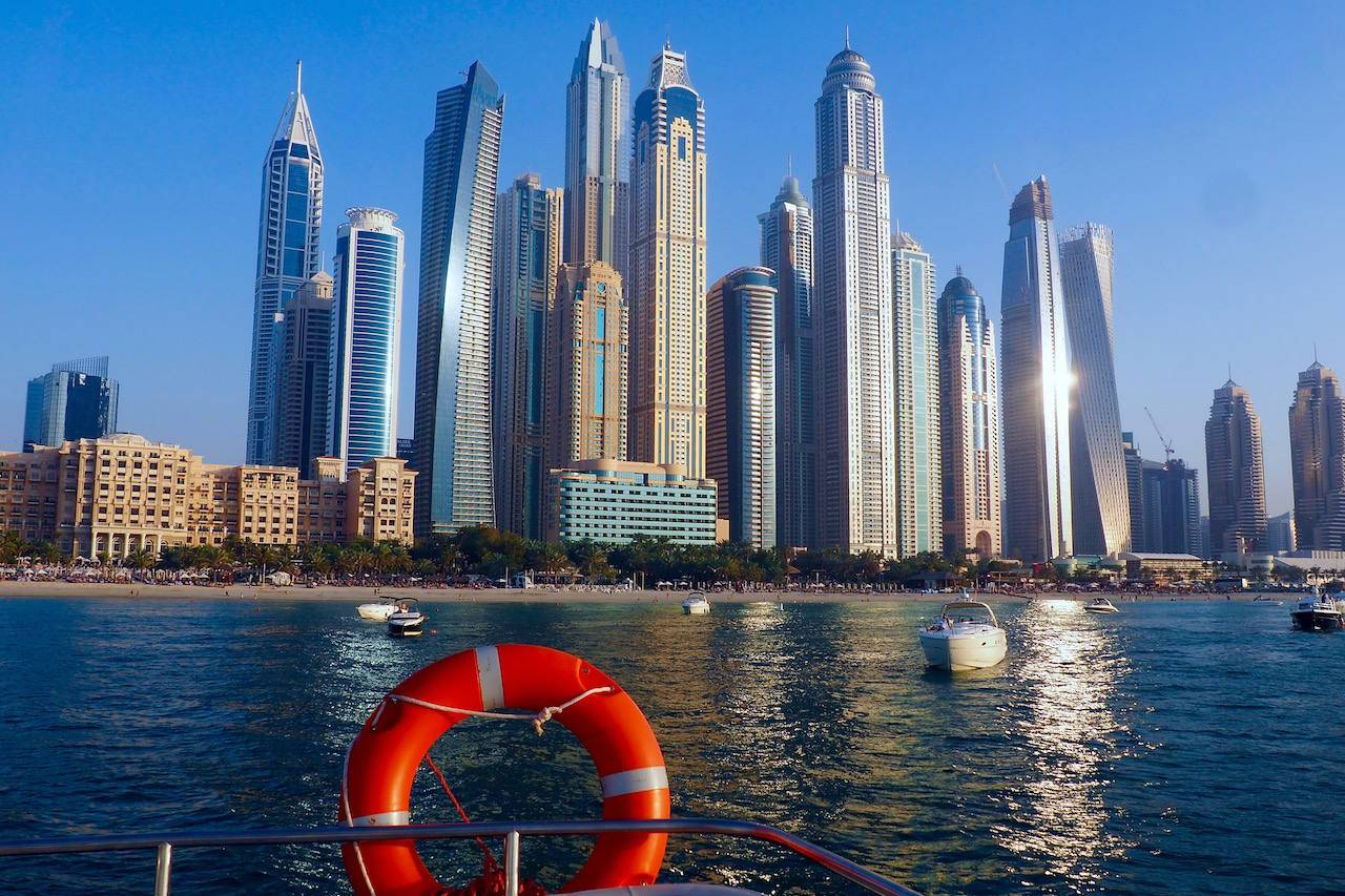 How To Move To Dubai: Everything You Need To Know - While I'm Young