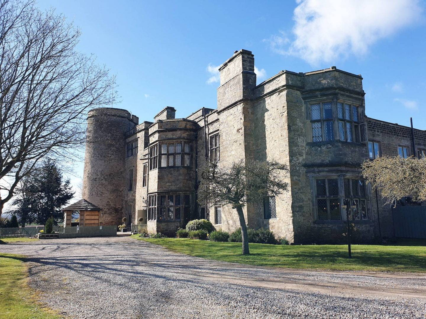 Full hotel review of Walworth Castle in England